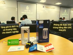Phòng đã được khử trùng bằng đèn diệt khuẩn UVC Philips - Quà Tết - tại trường doanh nhân PTI HCM - Tăng giá trị dịch vụ và thương hiệu cho doanh nghiệp