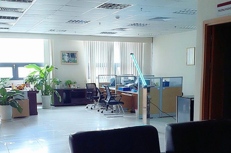 Xe đẩy khử trùng UV C Philips Trolley khử khuẩn văn phòng làm việc công ty