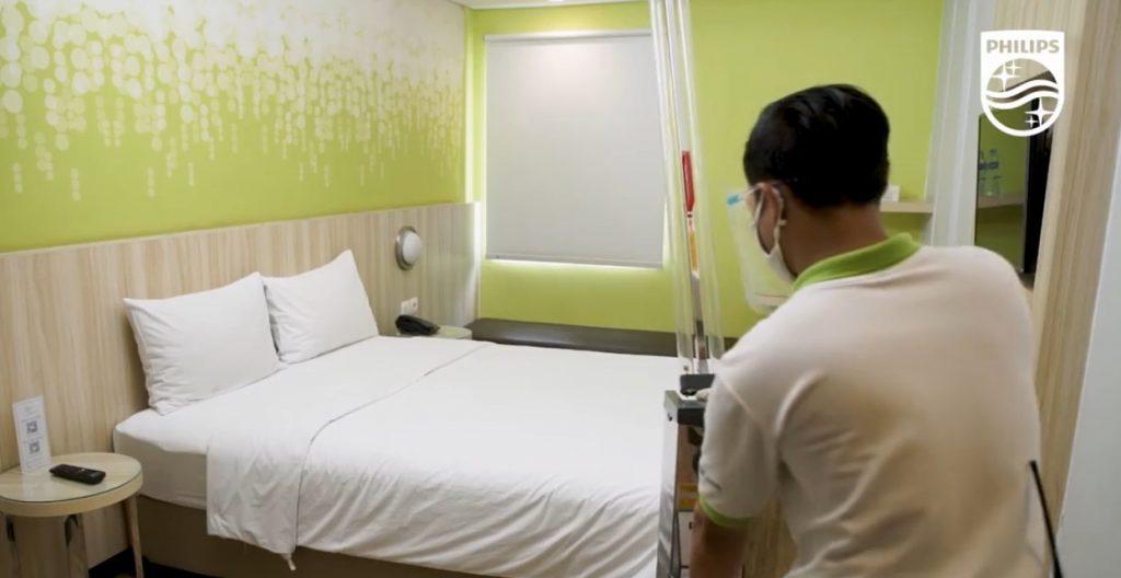 Xe đẩy diệt khuẩn UV C Trolley 1 tay nâng 65W khử trùng khách sạn