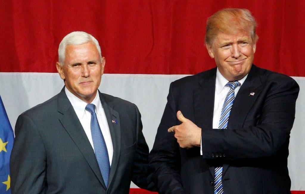 Cờ sẽ đến tay Phó Tổng Thống Mike Pence